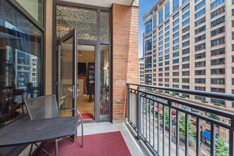 Real Estate Photography - 520 S State, Apt 602, Chicago, IL, 60605 - Balcony