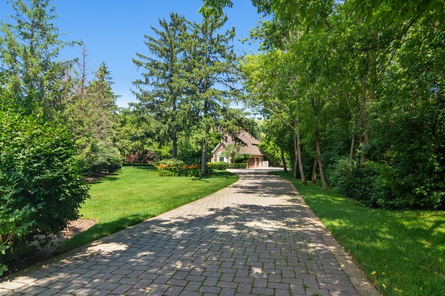 Real Estate Photography - 22356 Timberlea, Kildeer, IL, 60047 - Driveway