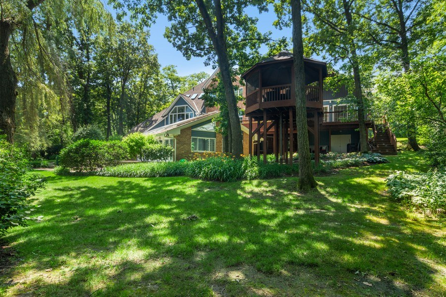 Real Estate Photography - 22356 Timberlea, Kildeer, IL, 60047 - Rear View
