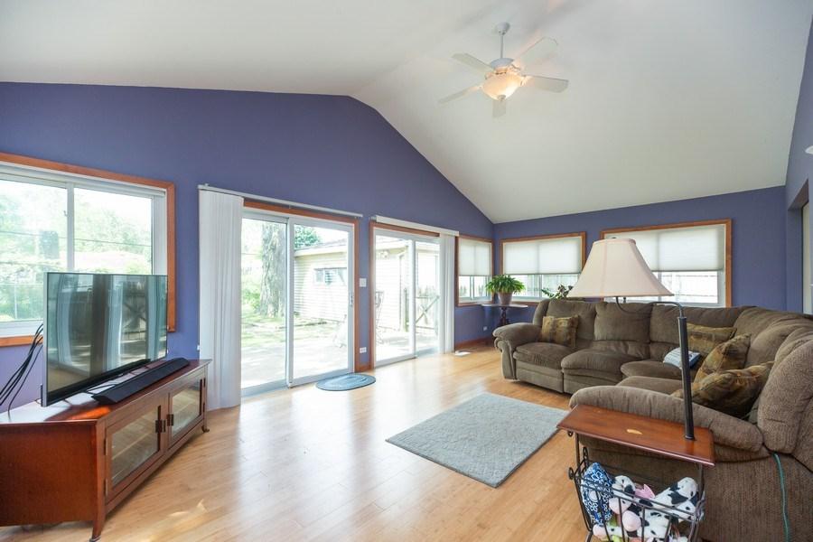 Real Estate Photography - 385 Alpine Ln, Hoffman Estates, IL, 60169 - Family Room