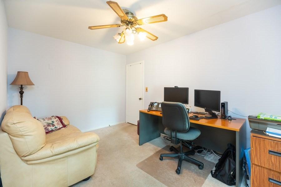 Real Estate Photography - 385 Alpine Ln, Hoffman Estates, IL, 60169 - Office