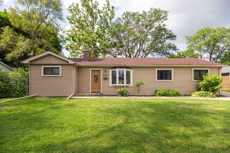 Real Estate Photography - 385 Alpine Ln, Hoffman Estates, IL, 60169 - Front View