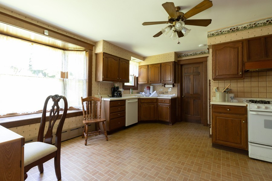 Real Estate Photography - 500 1st St, Waukegan, IL, 60085 - Kitchen
