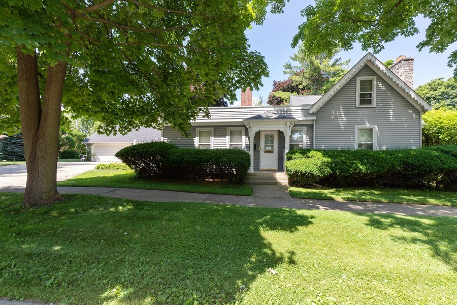 Real Estate Photography - 500 1st St, Waukegan, IL, 60085 - Front View