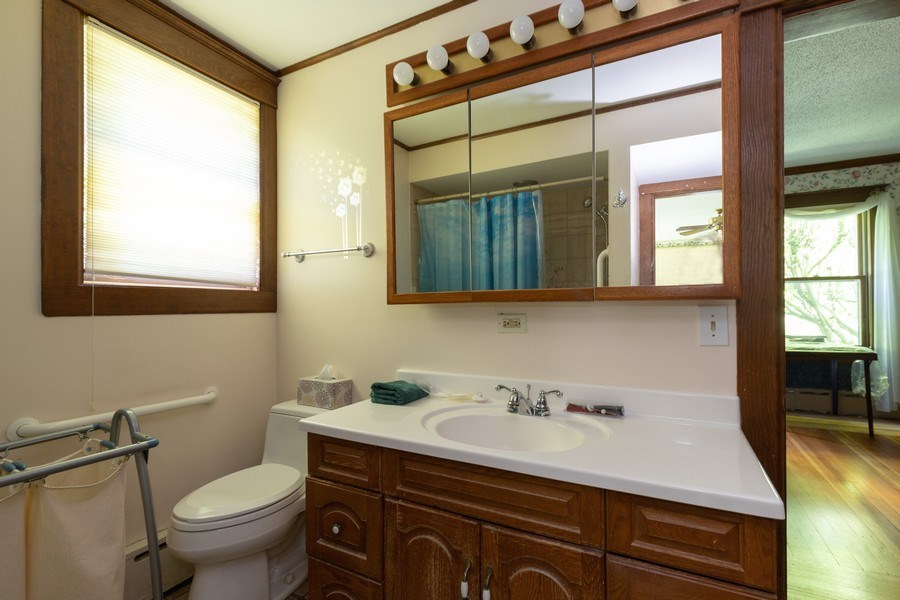 Real Estate Photography - 500 1st St, Waukegan, IL, 60085 - 2nd Bathroom