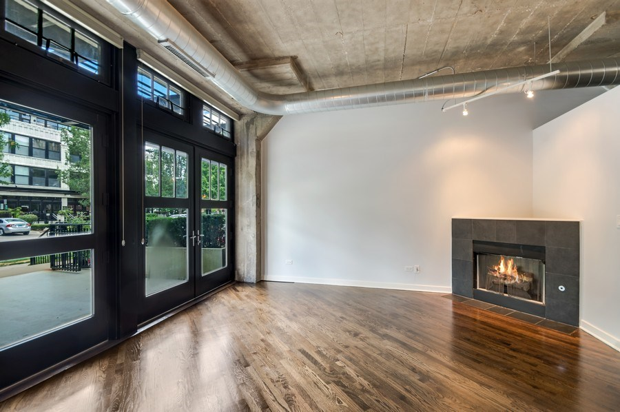 Real Estate Photography - 1001 W 15th St, Unit 131, Chicago, IL, 60608 - Living Room