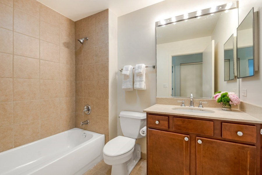 Real Estate Photography - 1001 W 15th St, Unit 131, Chicago, IL, 60608 - 2nd Bathroom