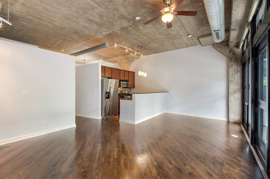 Real Estate Photography - 1001 W 15th St, Unit 131, Chicago, IL, 60608 - Kitchen / Living Room