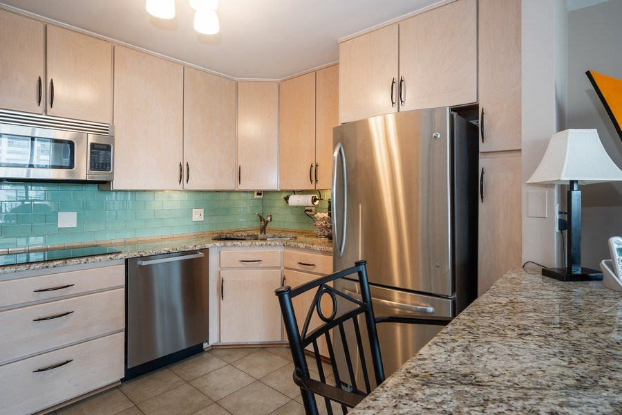 Real Estate Photography - 1516 N State Pkwy, Unit 9C, Chicago, IL, 60610 - Kitchen