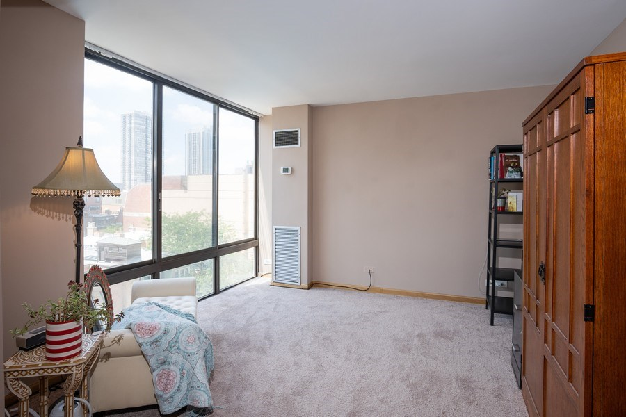 Real Estate Photography - 1516 N State Pkwy, Unit 9C, Chicago, IL, 60610 - Office