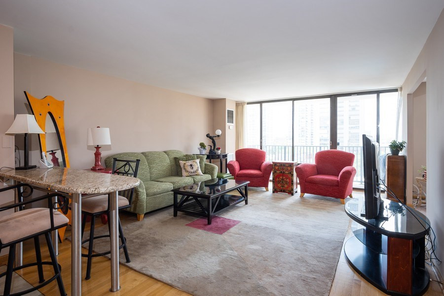 Real Estate Photography - 1516 N State Pkwy, Unit 9C, Chicago, IL, 60610 - Kitchen / Living Room