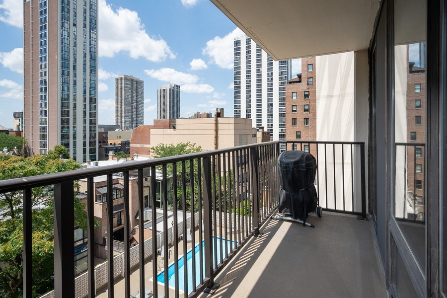 Real Estate Photography - 1516 N State Pkwy, Unit 9C, Chicago, IL, 60610 - Balcony