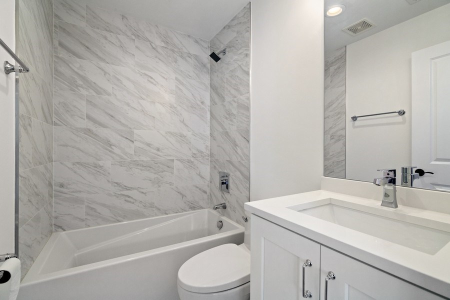 Real Estate Photography - 740 Coronet Rd, Glenview, IL, 60025 - 2nd Bathroom