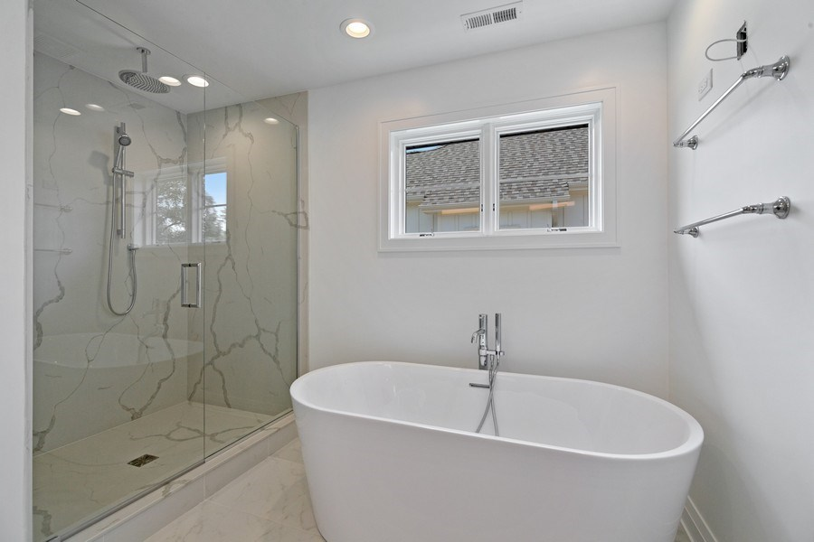 Real Estate Photography - 740 Coronet Rd, Glenview, IL, 60025 - Master Bathroom