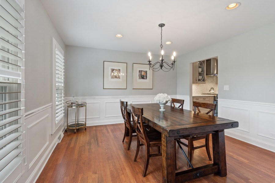 Real Estate Photography - 86 Flint Dr, Lake Barrington, IL, 60010 - Dining Room