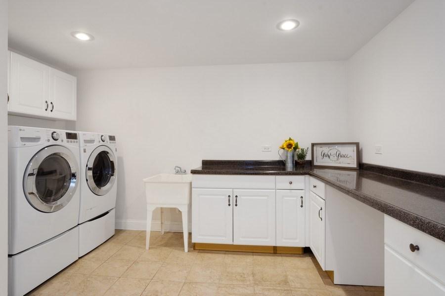 Real Estate Photography - 86 Flint Dr, Lake Barrington, IL, 60010 - Laundry Room