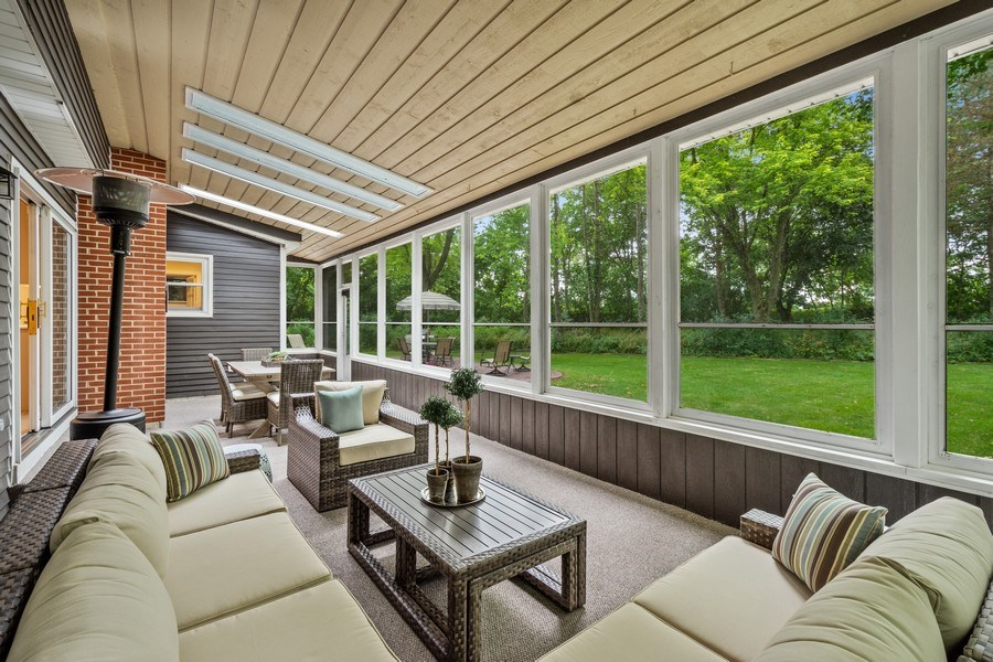 Real Estate Photography - 86 Flint Dr, Lake Barrington, IL, 60010 - Screened Porch