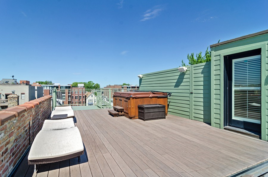 Real Estate Photography - 2632 Burling, Chicago, IL, 60614 - Roof Deck