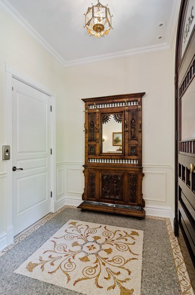 Real Estate Photography - 2632 Burling, Chicago, IL, 60614 -