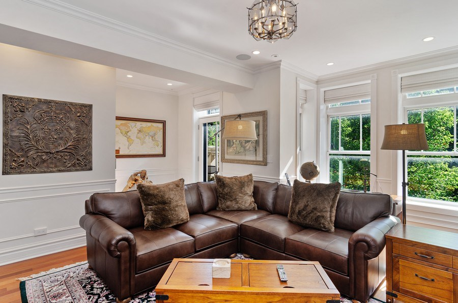 Real Estate Photography - 2632 Burling, Chicago, IL, 60614 - Family Room