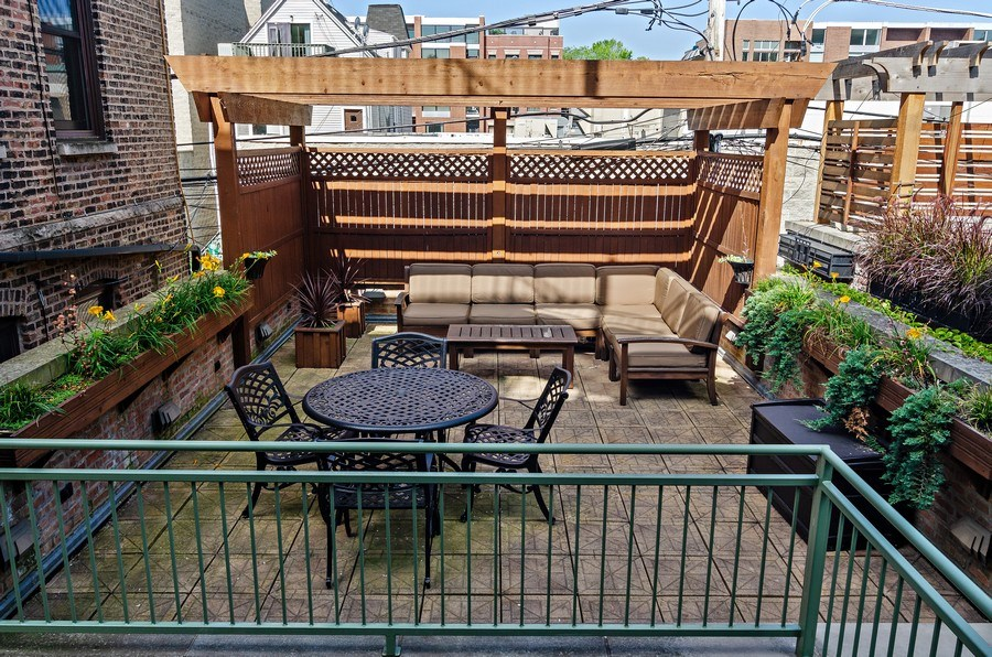 Real Estate Photography - 2632 Burling, Chicago, IL, 60614 - Deck