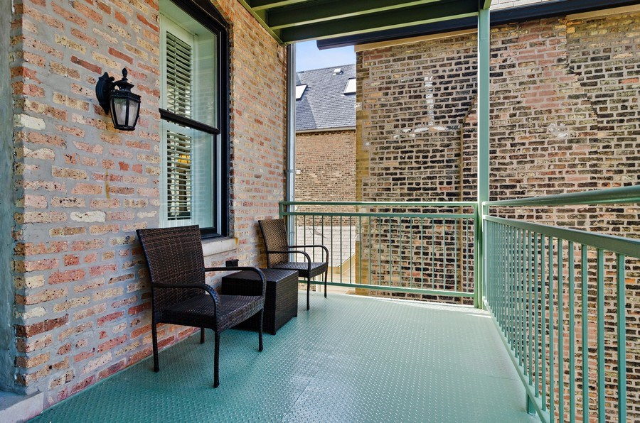 Real Estate Photography - 2632 Burling, Chicago, IL, 60614 - Balcony