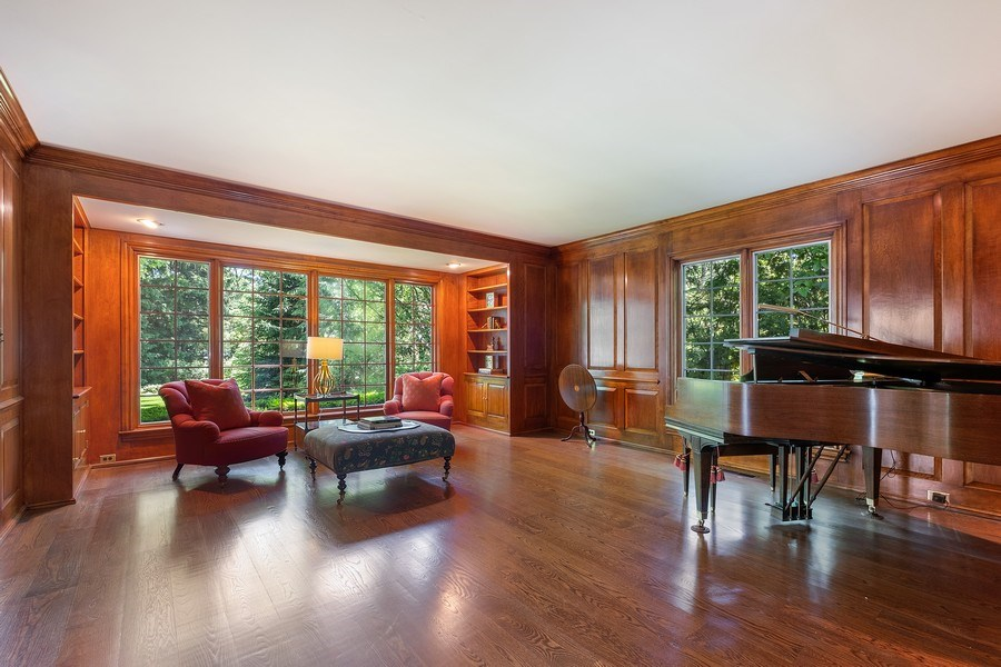 Real Estate Photography - 12 Kent Rd, Winnetka, IL, 60093 - Library