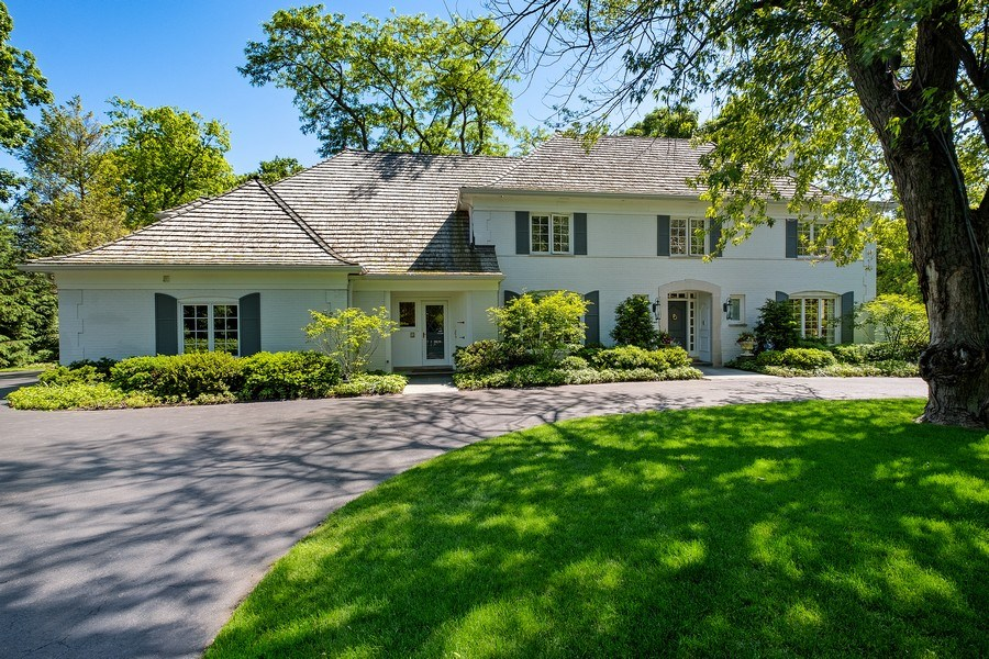 Real Estate Photography - 12 Kent Rd, Winnetka, IL, 60093 - Front View