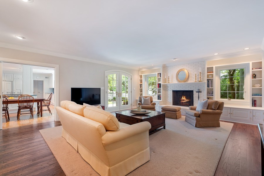 Real Estate Photography - 12 Kent Rd, Winnetka, IL, 60093 - Family Room / Kitchen