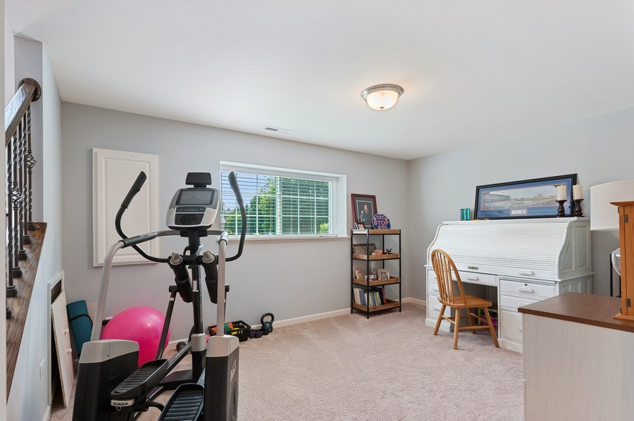 Real Estate Photography - 253 Lionel Dr, Grayslake, IL, 60030 - Bedroom