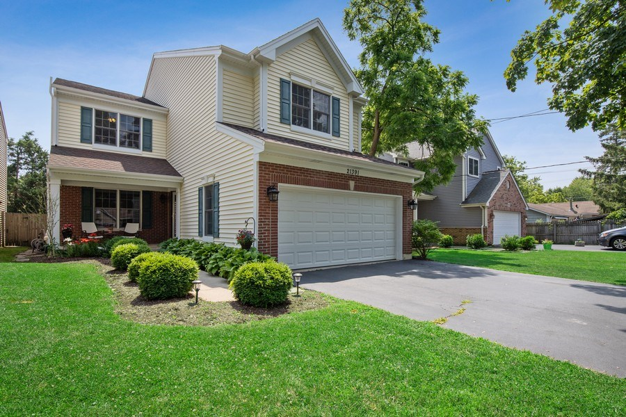 Real Estate Photography - 21391 W Willow Road, Lake Zurich, IL, 60047 - Front View