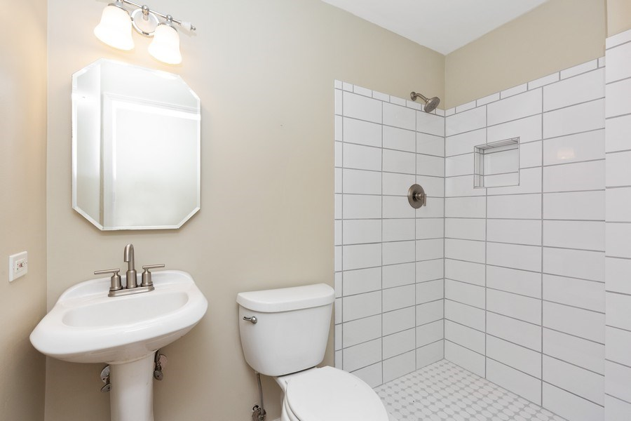 Real Estate Photography - 120 S Deerpath Rd, Barrington, IL, 60010 - Bathroom