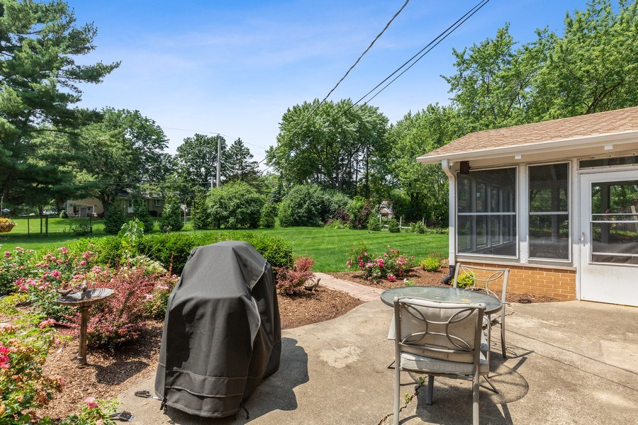 Real Estate Photography - 120 S Deerpath Rd, Barrington, IL, 60010 - Patio