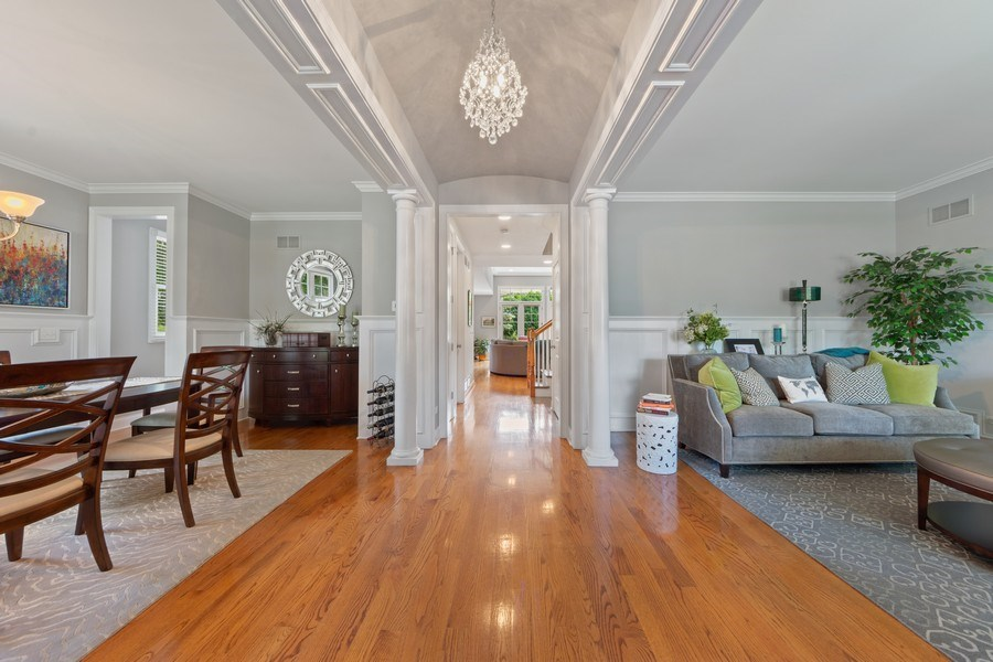 Real Estate Photography - 1211 N Race, Arlington Heights, IL, 60004 - Foyer