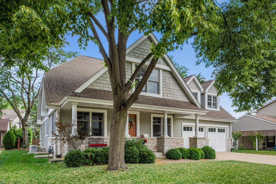 Real Estate Photography - 1211 N Race, Arlington Heights, IL, 60004 - Front View