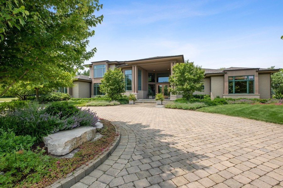 Real Estate Photography - 3 Broadleys Ct, Bannockburn, IL, 60015 - Front View