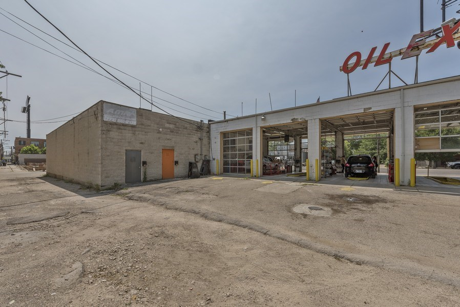 Real Estate Photography - 2501 N Western Ave, Chicago, IL, 60647 - Rear View
