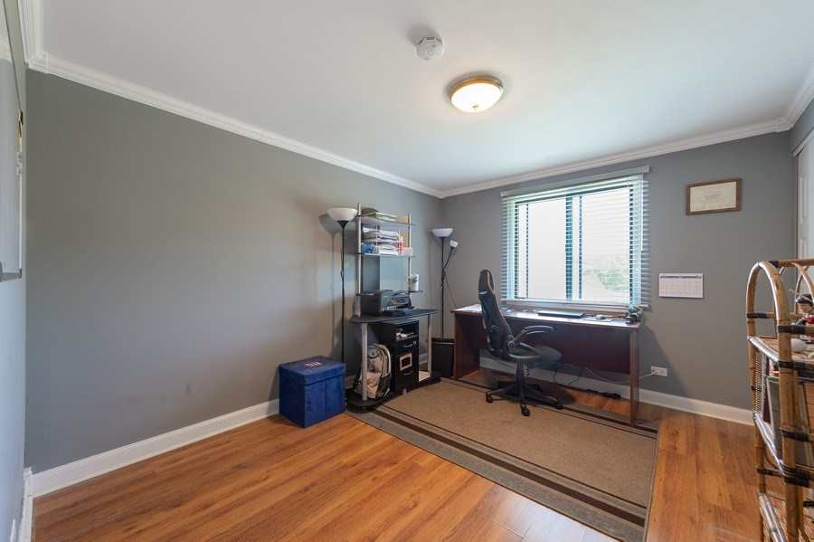Real Estate Photography - 162 Chatham Unit B, Bloomingdale, IL, 60108 - Office