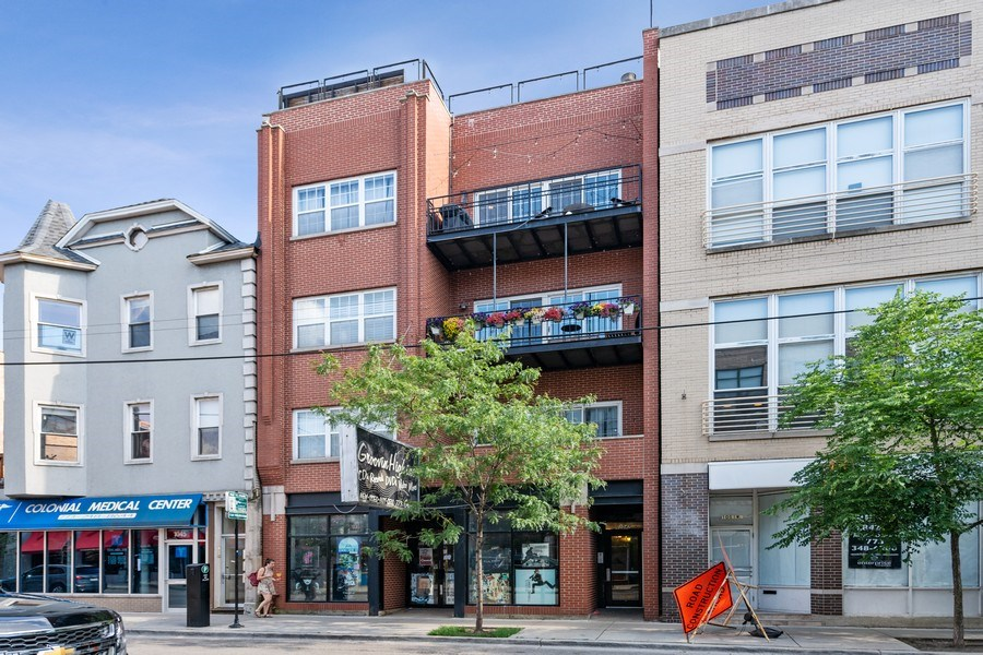Real Estate Photography - 1047 W. Belmont, #3R, Chicago, IL, 60657 - Front View