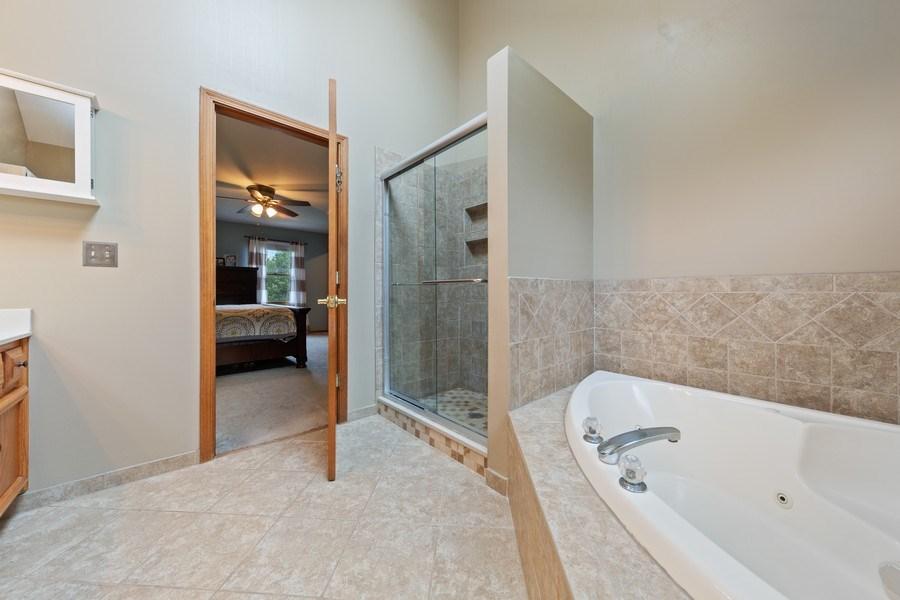Real Estate Photography - 68 Breckenridge Dr., Aurora, IL, 60504 - Master Bathroom