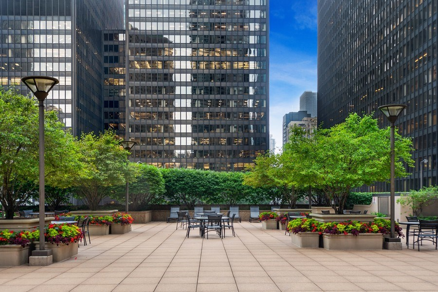Real Estate Photography - 222 N Columbus Dr, #604, Chicago, IL, 60601 -