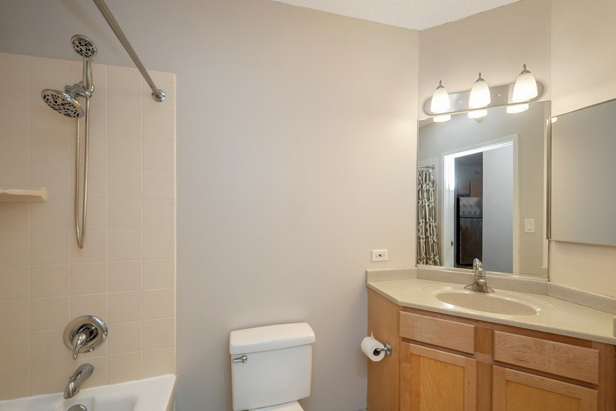 Real Estate Photography - 222 N Columbus Dr, #604, Chicago, IL, 60601 - Bathroom