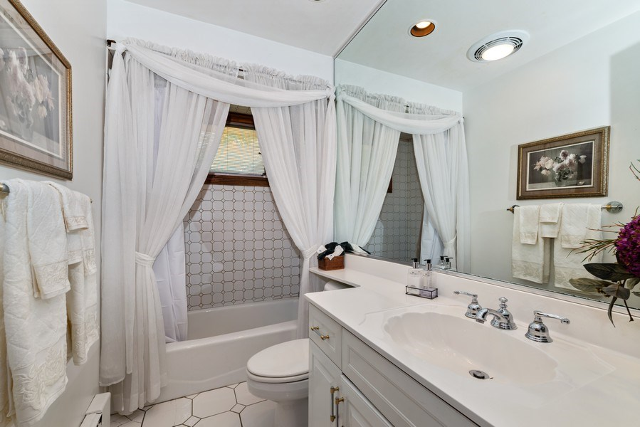 Real Estate Photography - 1205 Longmeadow, Glenview, IL, 60025 - Bathroom