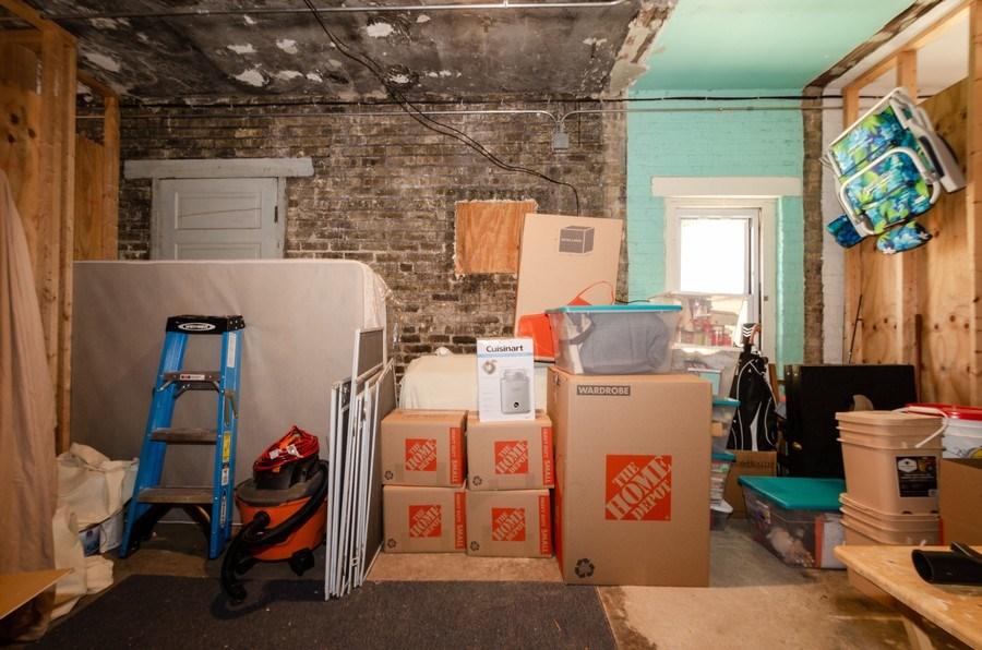 Real Estate Photography - 811 Hinman, 2E, Evanston, IL, 60202 - Location 1