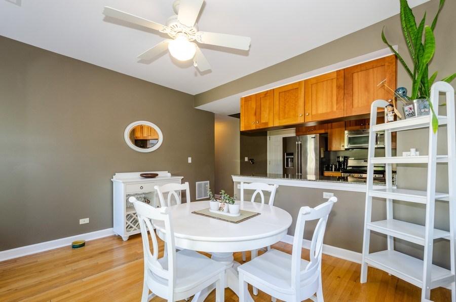 Real Estate Photography - 811 Hinman, 2E, Evanston, IL, 60202 - Kitchen / Breakfast Room