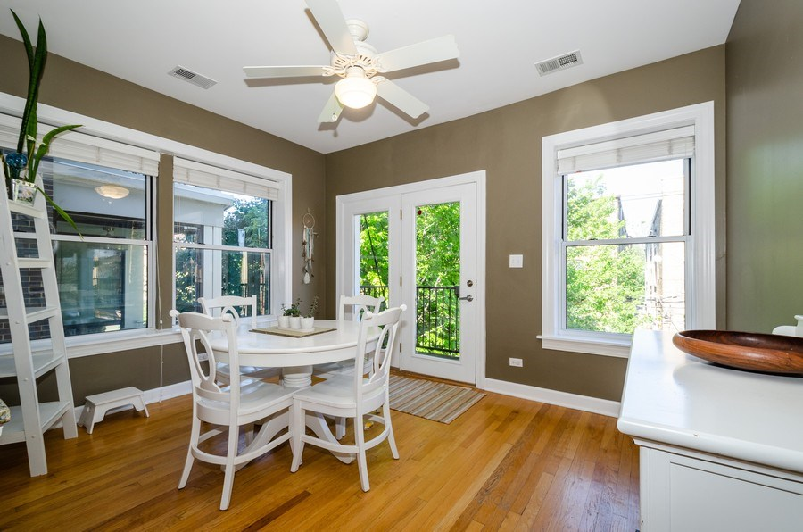 Real Estate Photography - 811 Hinman, 2E, Evanston, IL, 60202 - Breakfast Area