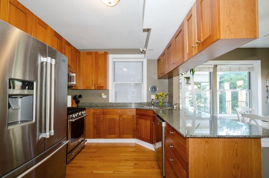 Real Estate Photography - 811 Hinman, 2E, Evanston, IL, 60202 - Kitchen