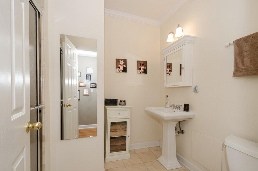 Real Estate Photography - 811 Hinman, 2E, Evanston, IL, 60202 - 2nd Bathroom