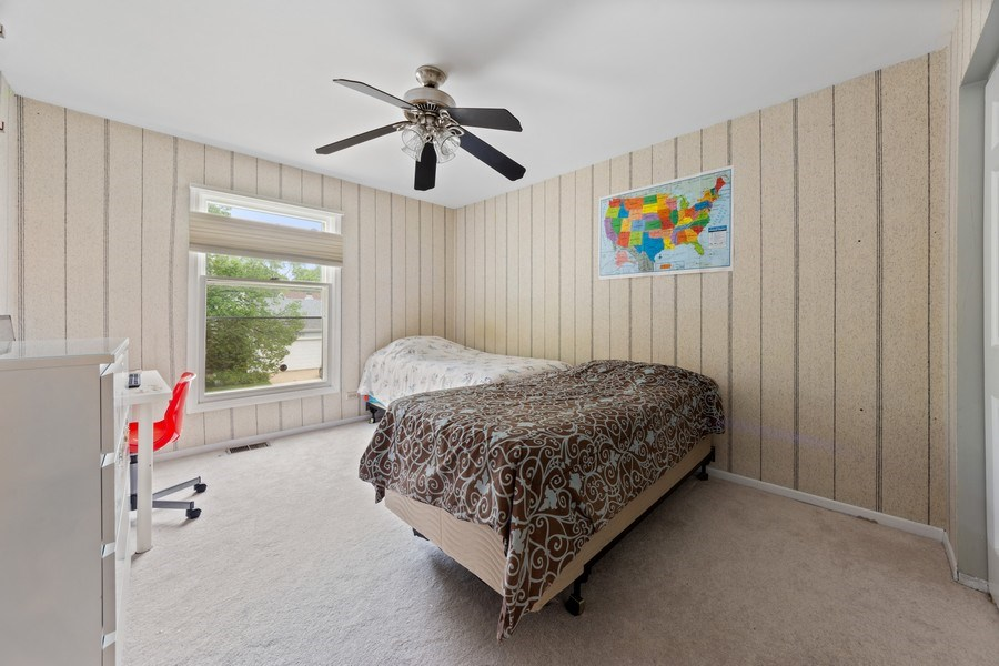 Real Estate Photography - 884 Knollwood, Buffalo Grove, IL, 60089 - 2nd Bedroom