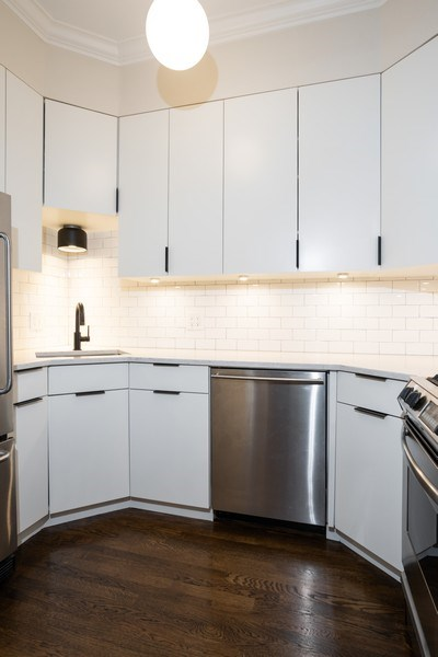 Real Estate Photography - 1965 N Lincoln, Unit 2, Chicago, IL, 60614 - Kitchen